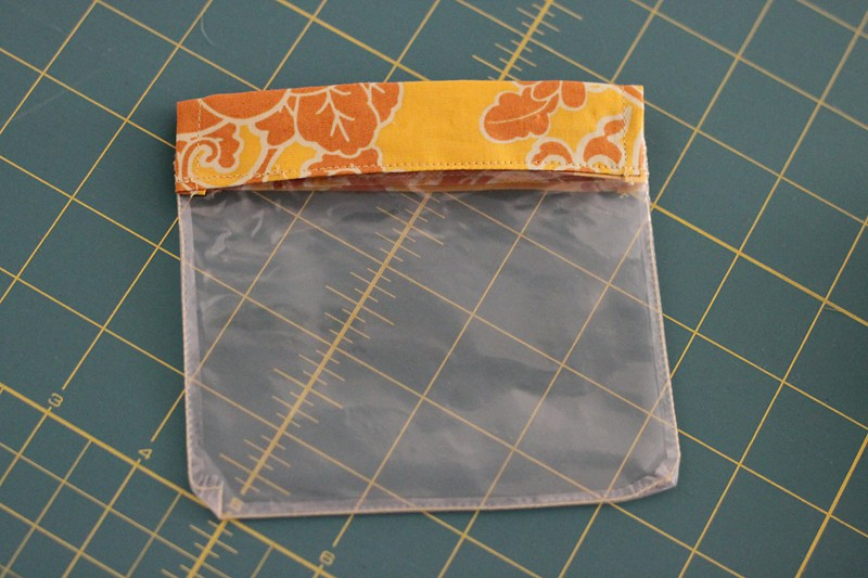 Tutorial to sew a vinyl flex frame pouch - Bonjour Quilts