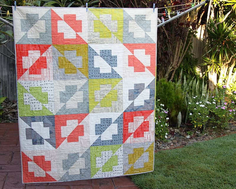 Line Art Quilt Pattern : Small quilts just the right size to showcase exquisite designs