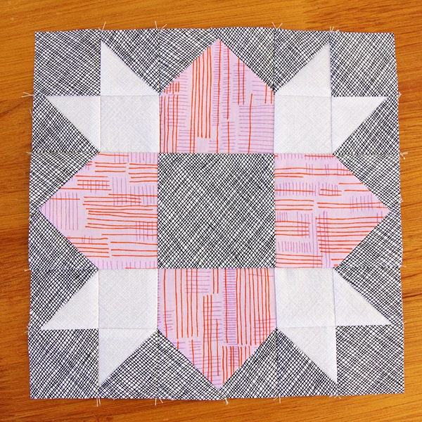 Kirsty at Bonjour Quilts makes a mini quilt with the Sweet Stars quilt pattern by Peta of She Quilts Alot