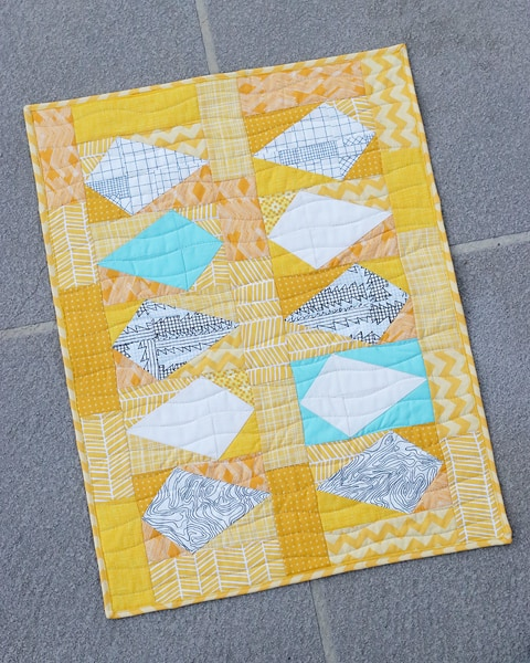 Scrappy Kites Mini Quilt Pattern