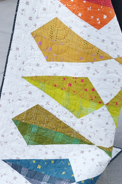 Gemology quilt pattern (fat quarter friendly) by Bonjour Quilts. Learn how to make 3:1 ratio half rectangle triangles.