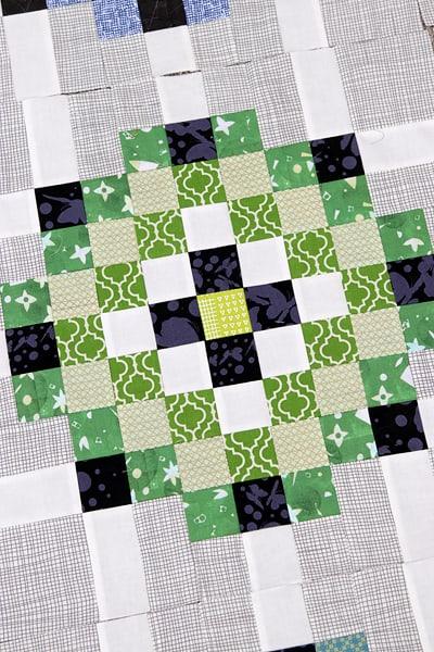 A scrap quilt pattern block