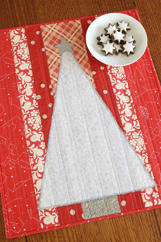 Christmas decor - sew a Christmas Tree mini quilt for a wall hanging or table topper